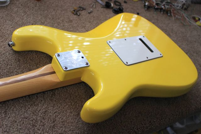 1989 graffiti yellow strat plus rosewood fretboard very good condition the lettering on the. Black Bedroom Furniture Sets. Home Design Ideas