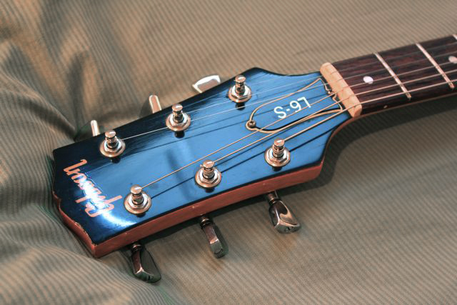 Gibson%20L6-S3.jpg