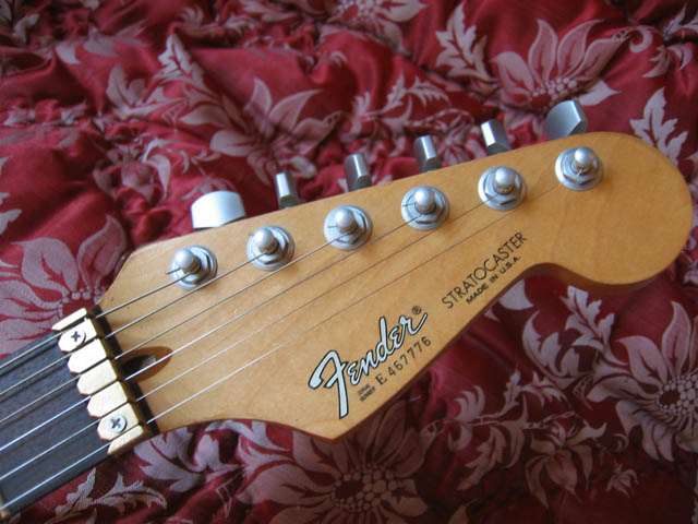 http://xhefriguitars.com/Parts/E4SerialNumber.jpg