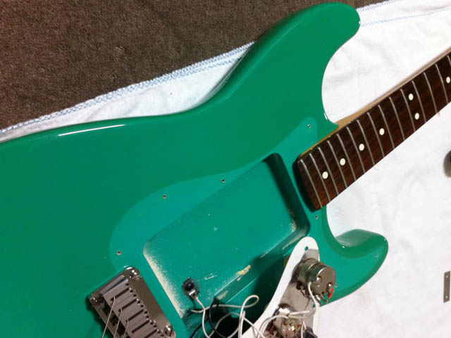 http://xhefriguitars.com/Stuff/Plus%20Colors/BahamaGreenYellow.jpg