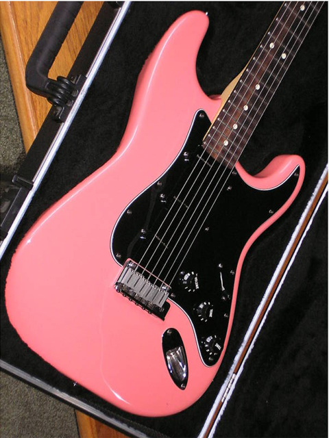 http://xhefriguitars.com/Stuff/Plus%20Colors/DustyRose1.jpg