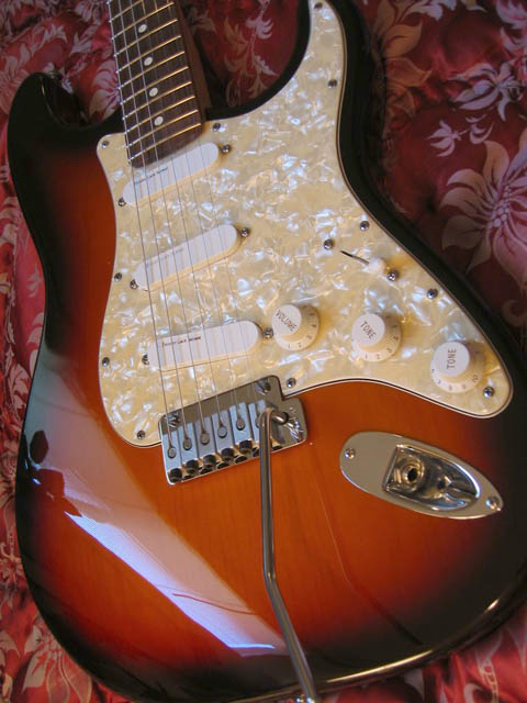 http://xhefriguitars.com/Stuff/Plus%20Colors/Sunburst2.jpg